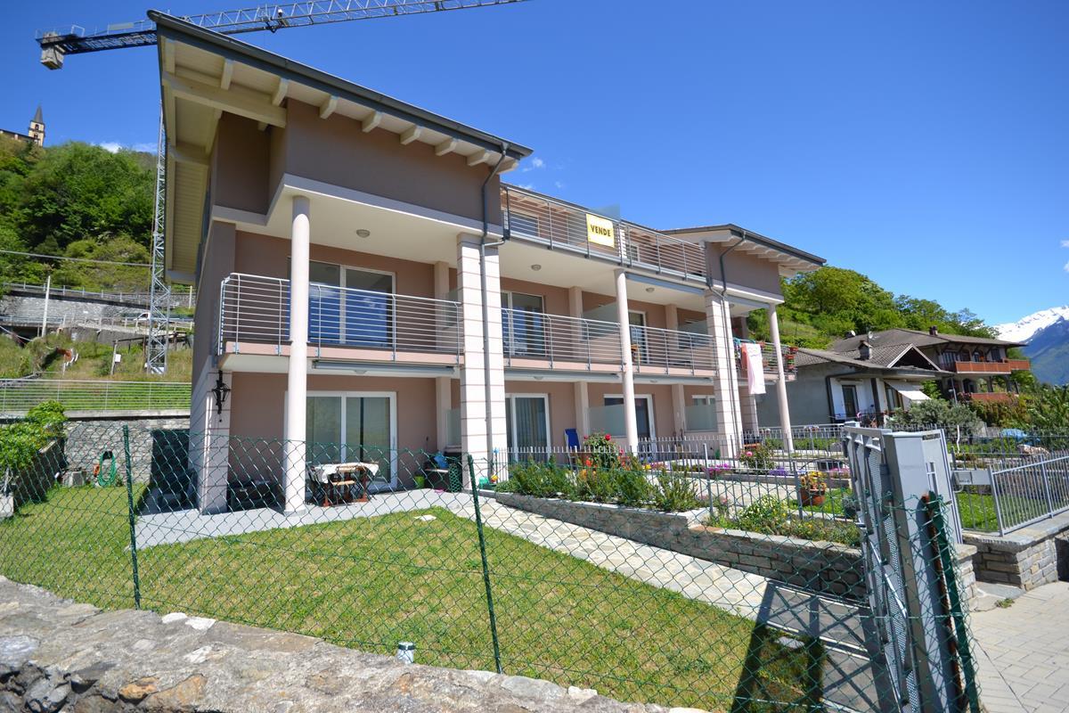 Lago como residence con piscina domaso nuovissimo residence - Residence a livigno con piscina ...
