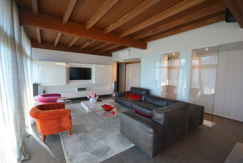 Menaggio moderna villa vendita sul Lago di Como (17)
