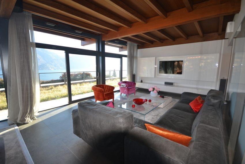 Menaggio moderna villa vendita sul Lago di Como (18)