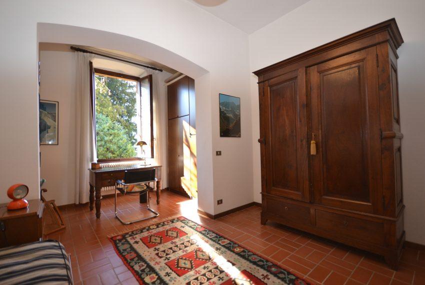 Tremezzo villa d'epoca con parco lago di Como (1)