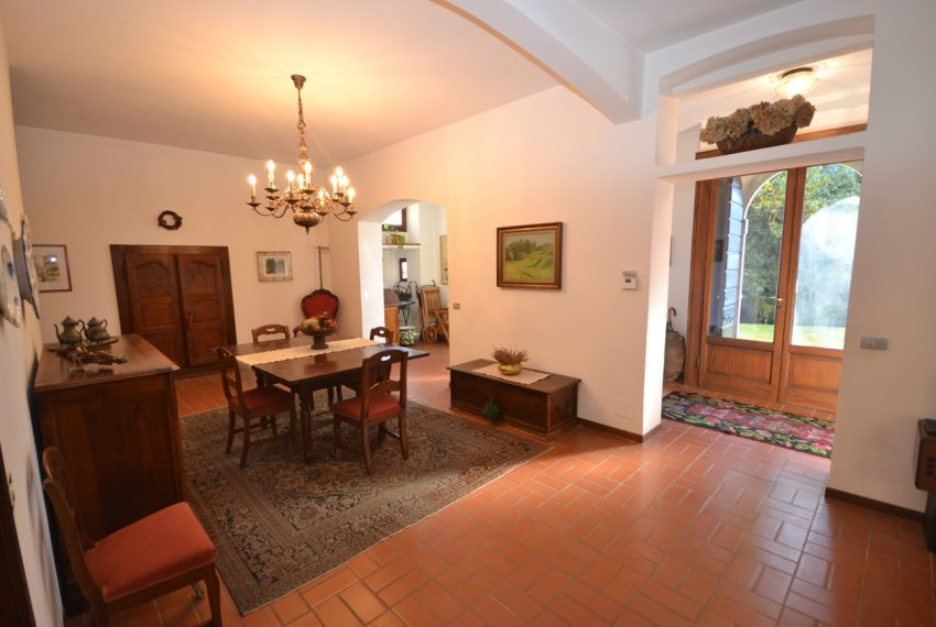 Tremezzo villa d'epoca con parco lago di Como (13)