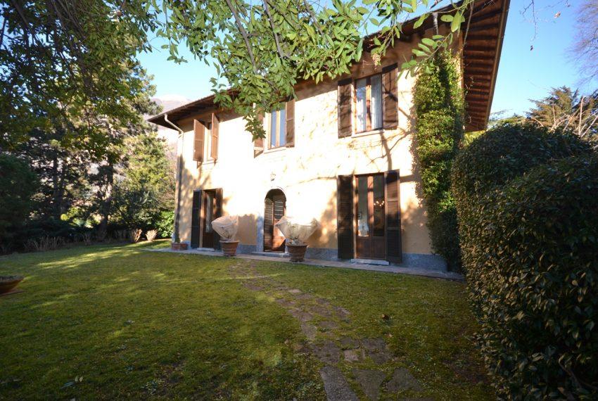 Tremezzo villa d'epoca con parco lago di Como (16)