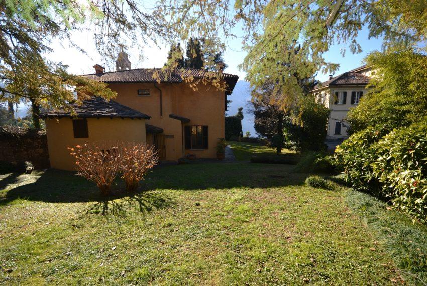 Tremezzo villa d'epoca con parco lago di Como (17)
