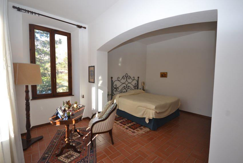 Tremezzo villa d'epoca con parco lago di Como (21)