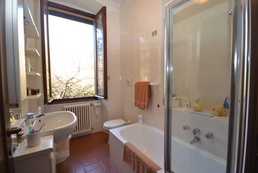 Tremezzo villa d'epoca con parco lago di Como (22)