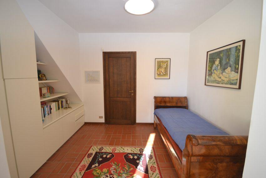 Tremezzo villa d'epoca con parco lago di Como (23)