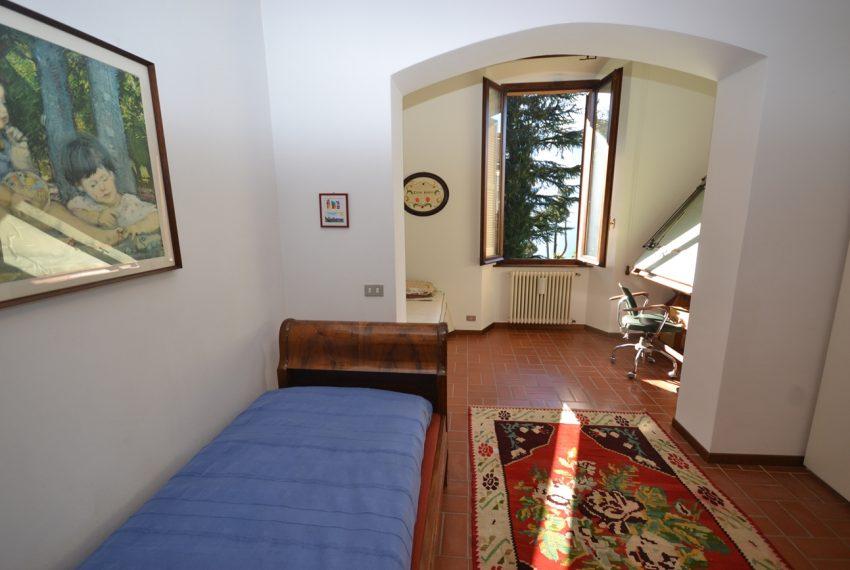 Tremezzo villa d'epoca con parco lago di Como (24)