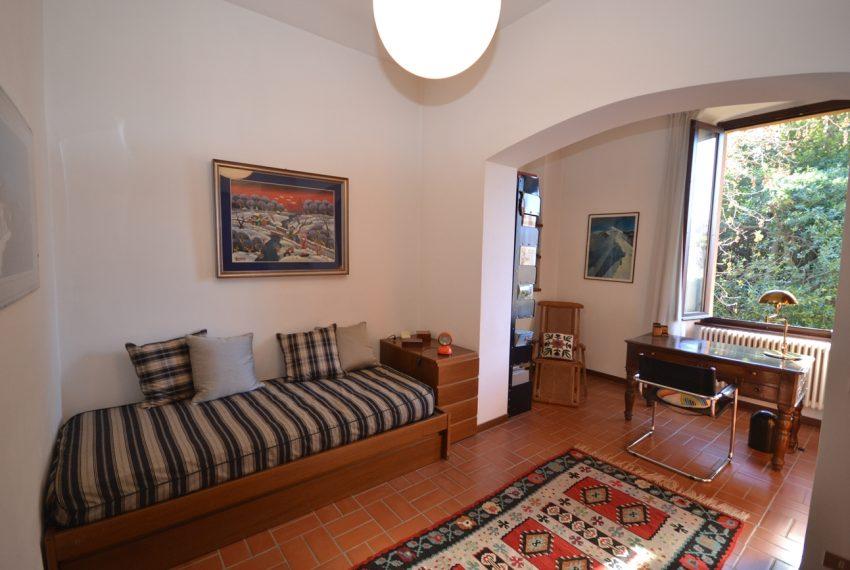 Tremezzo villa d'epoca con parco lago di Como (26)