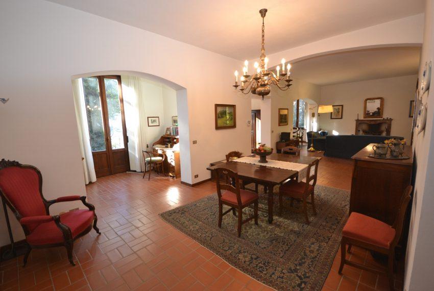 Tremezzo villa d'epoca con parco lago di Como (9)