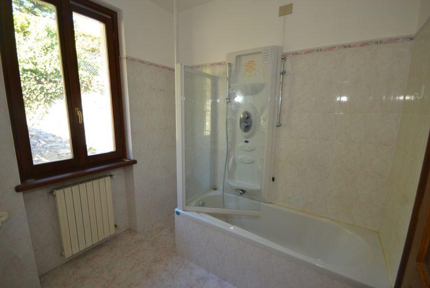 Lago di Como vendesi a Tremezzo vilal indipendente con giardino (15)