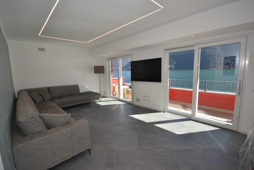 Lago di Lugano Porlezza appartamento a lago in vendita con attracco barca (13)
