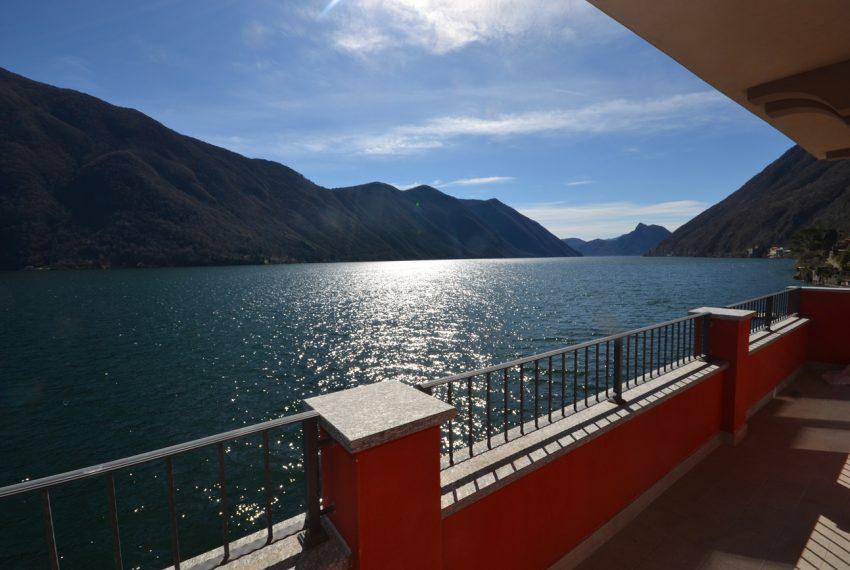 Lago di Lugano Porlezza appartamento a lago in vendita con attracco barca (15)