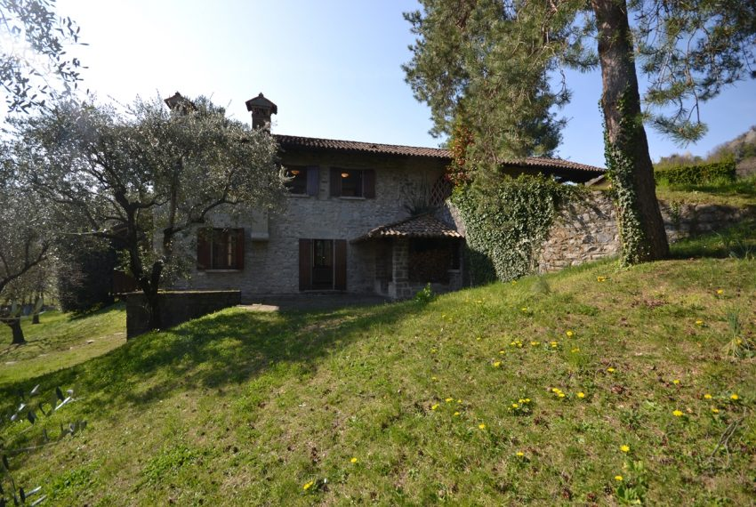 Griante villa vendita con parco - Lago di Como (2)