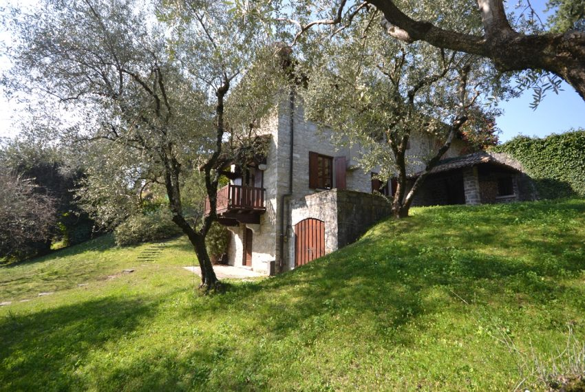 Griante villa vendita con parco - Lago di Como (3)
