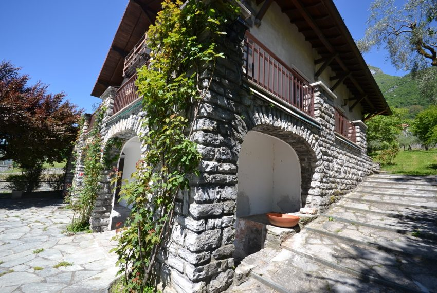 Lago di Como Tremezzo villa in vendita con giardinoe vista (19)