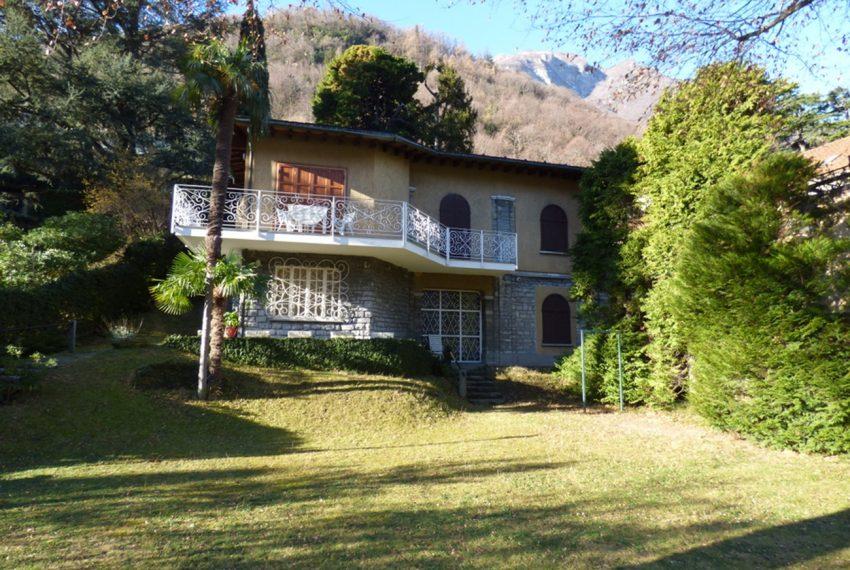 Lago di Como Laglio villa a lago con giardino e attracco barca (1)