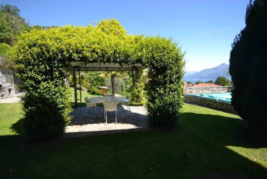 Lago di Como villa in sasso vendita a Griante - vista Bellagio (4)