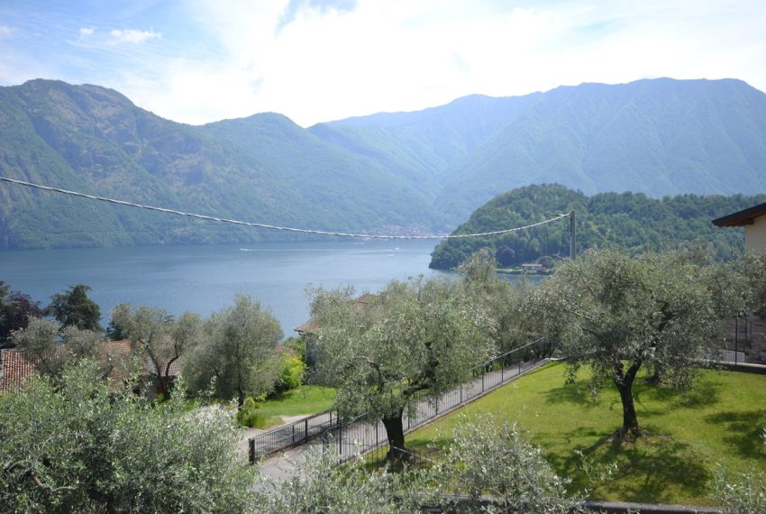 Tremezzina Mezzegra villa vendita composta da due appartamenti (3)