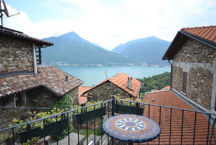 Lago Como PIanello casa in sasso ristrutturata a nuovo con vista lago e terrazzo. Ideale investimento. (2)