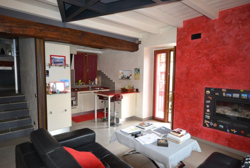 Lago Como PIanello casa in sasso ristrutturata a nuovo con vista lago e terrazzo. Ideale investimento. (8)