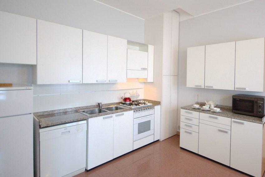Griante appartamenti in villa storica fronte lago. (4)