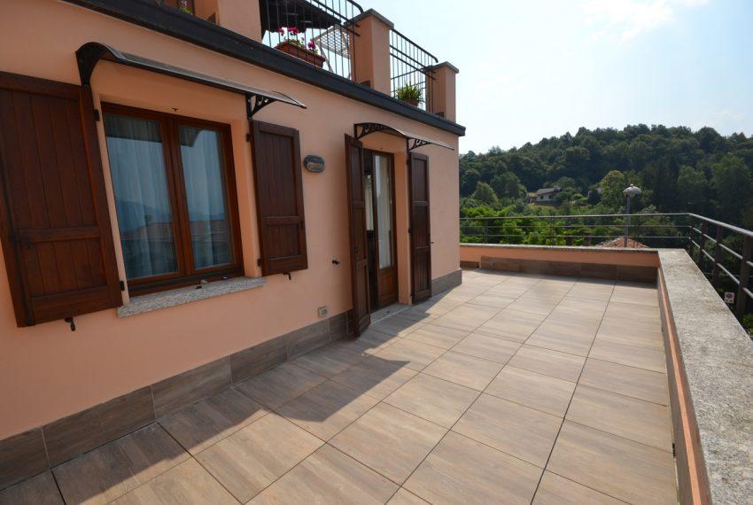 Plesio appartamento in vendita a 4 km da Menaggio. Trilocale con ampio terrazzo (10)