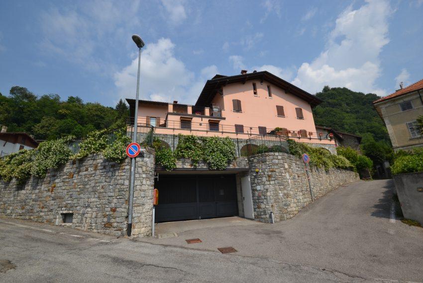 Plesio appartamento in vendita a 4 km da Menaggio. Trilocale con ampio terrazzo (12)