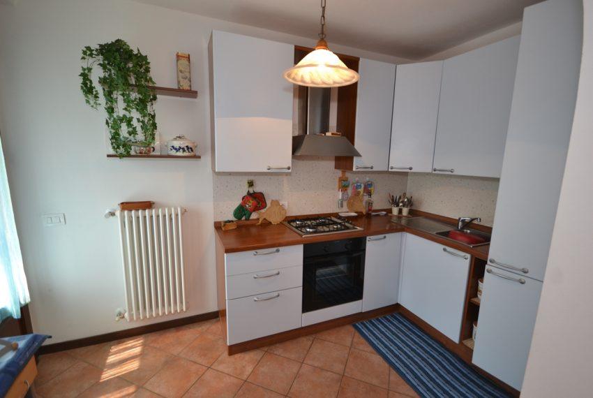 Plesio appartamento in vendita a 4 km da Menaggio. Trilocale con ampio terrazzo (2)
