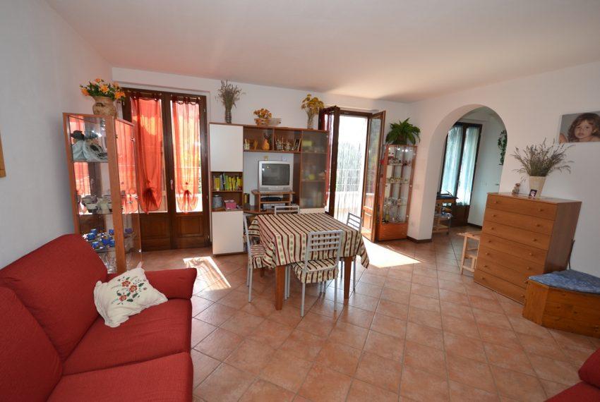 Plesio appartamento in vendita a 4 km da Menaggio. Trilocale con ampio terrazzo (4)