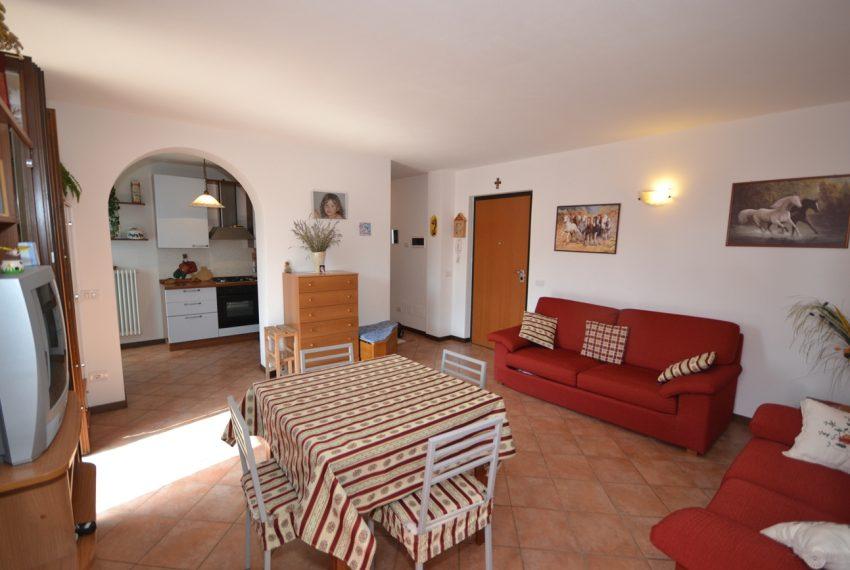 Plesio appartamento in vendita a 4 km da Menaggio. Trilocale con ampio terrazzo (5)