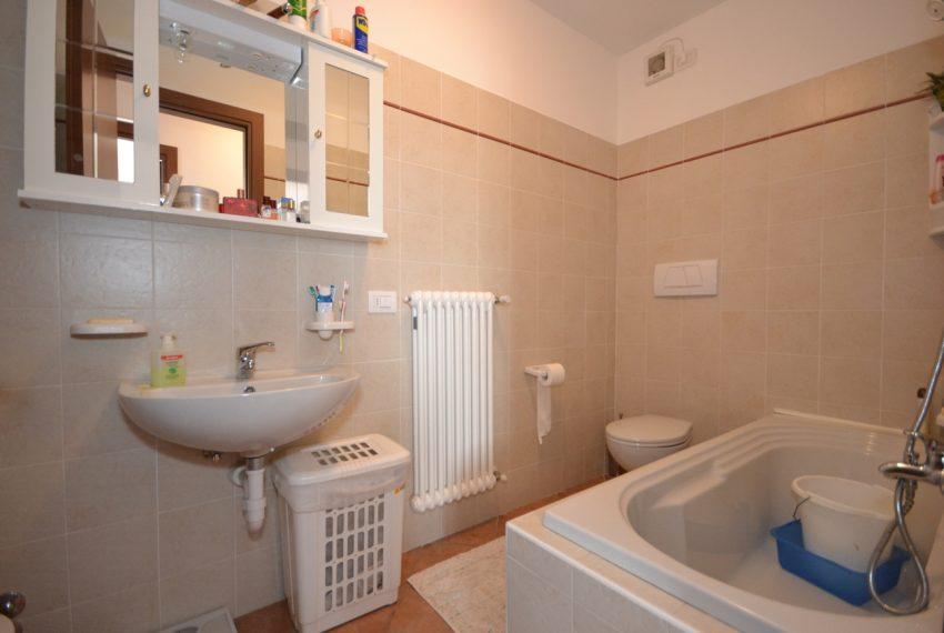 Plesio appartamento in vendita a 4 km da Menaggio. Trilocale con ampio terrazzo (7)