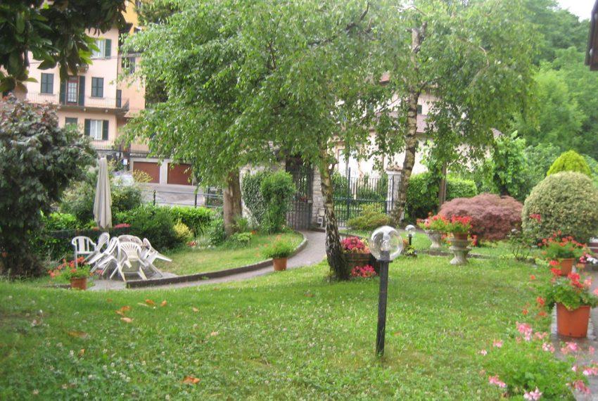 Tremezzo appartamento in villa con parco. € 75.000 arredamento e garage compresi (10)