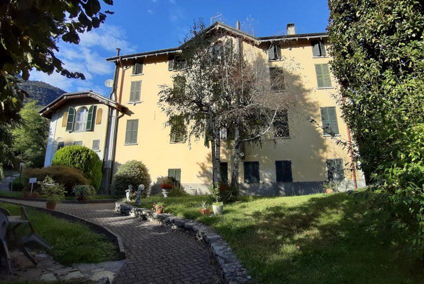 Tremezzo appartamento in villa con parco. € 75.000 arredamento e garage compresi (6)