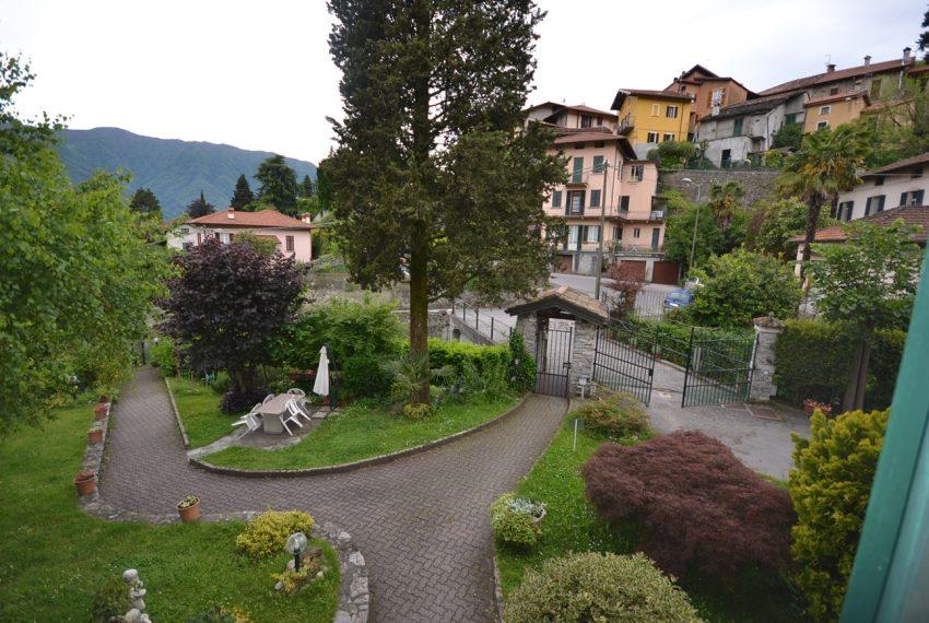 Tremezzo appartamento in villa con parco. € 75.000 arredamento e garage compresi (8)