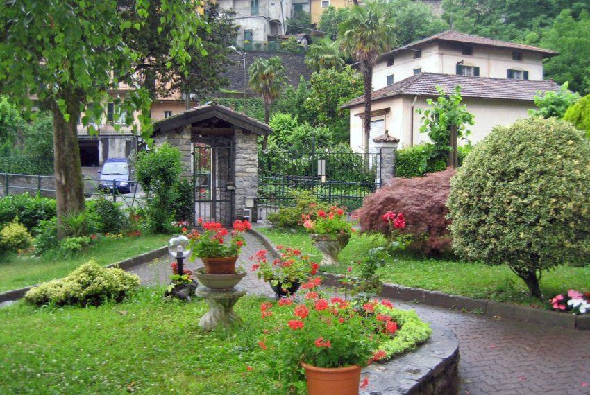 Tremezzo appartamento in villa con parco. € 75.000 arredamento e garage compresi (9)