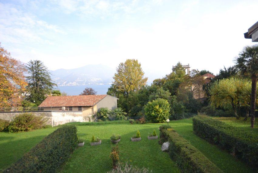 Lago di Como Menaggio bilocale vista lago con terrazzo e posto auto (1)