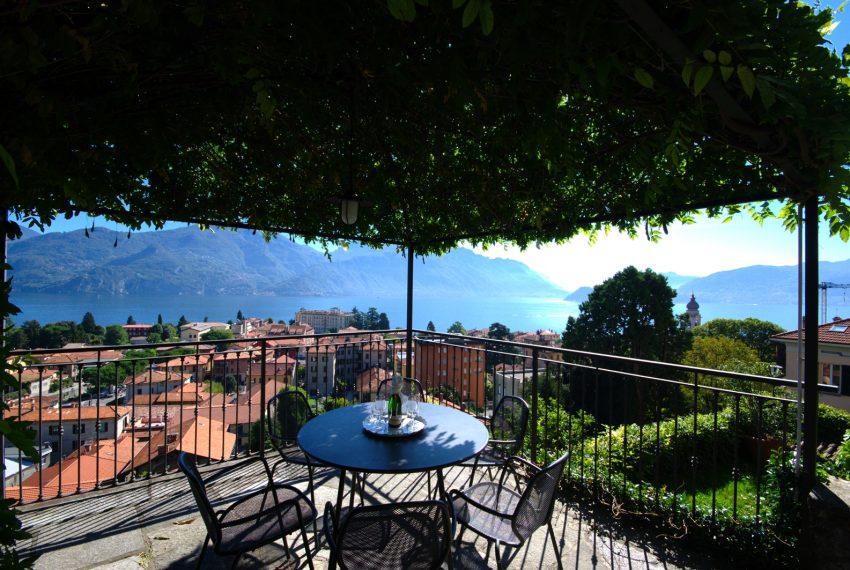 Menaggio dimora villa in vendita con giardino e vista lago. Due minuti a piedi dal centro (8)