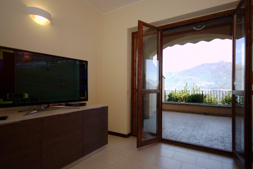 menaggio appartamento in residence con piscina, garage e ampio terrazzo coperto vista lago (8)