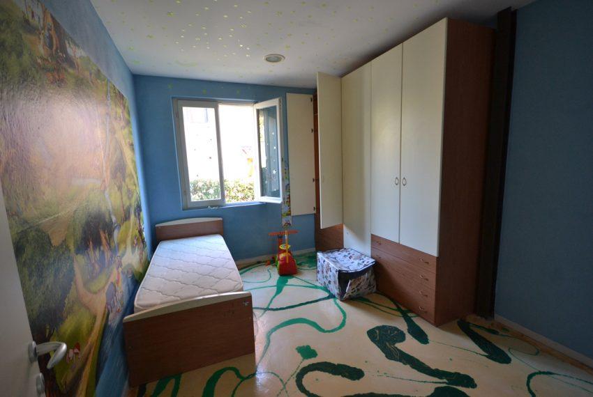 Lenno ampio appartamento con giardino e garage (5)