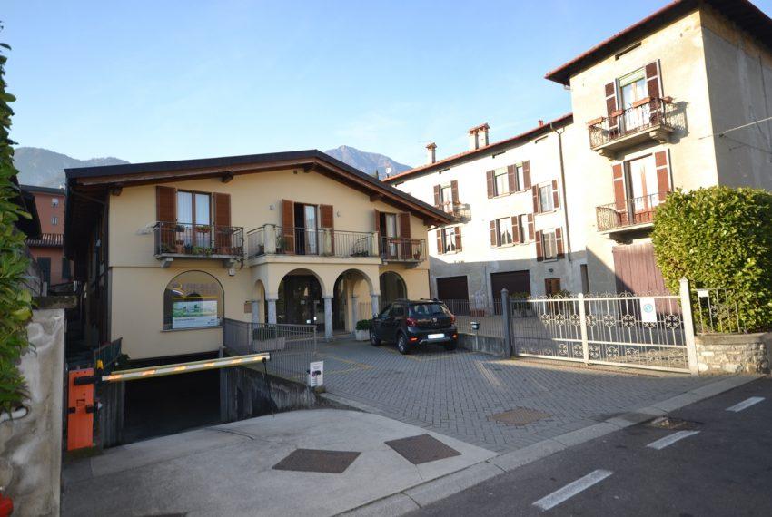 Menaggio vendita appartamento in centro con garage (1)