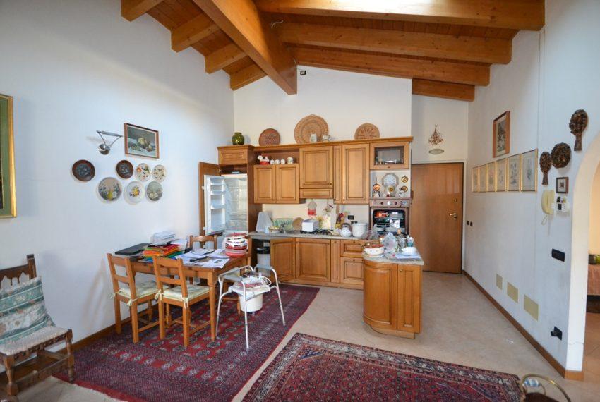 Menaggio vendita appartamento in centro con garage (4)