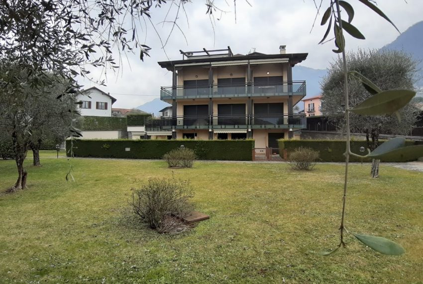 Lago di Como lenno ampio appartamento in residence con piscina e vista lago (10)
