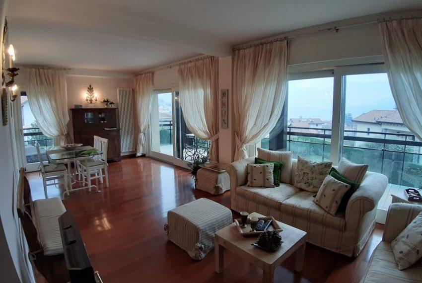 Lago di Como lenno ampio appartamento in residence con piscina e vista lago (3)
