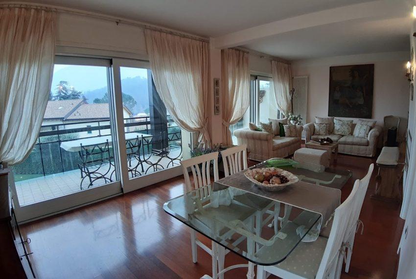 Lago di Como lenno ampio appartamento in residence con piscina e vista lago (5)