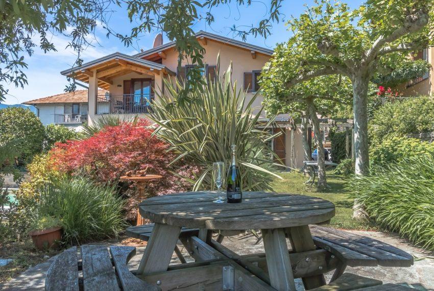Ossuccio Lago di Como. Villa con giardino e piscina (17)