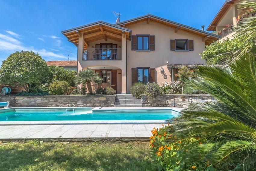 Ossuccio Lago di Como. Villa con giardino e piscina (18)