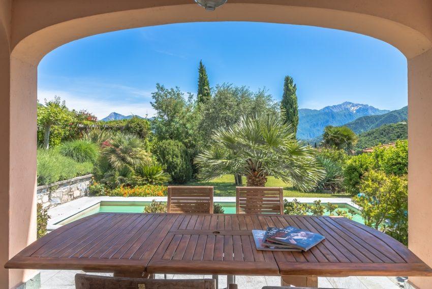 Ossuccio Lago di Como. Villa con giardino e piscina (20)
