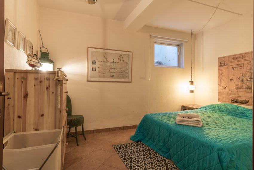 Ossuccio Lago di Como. Villa con giardino e piscina (34)