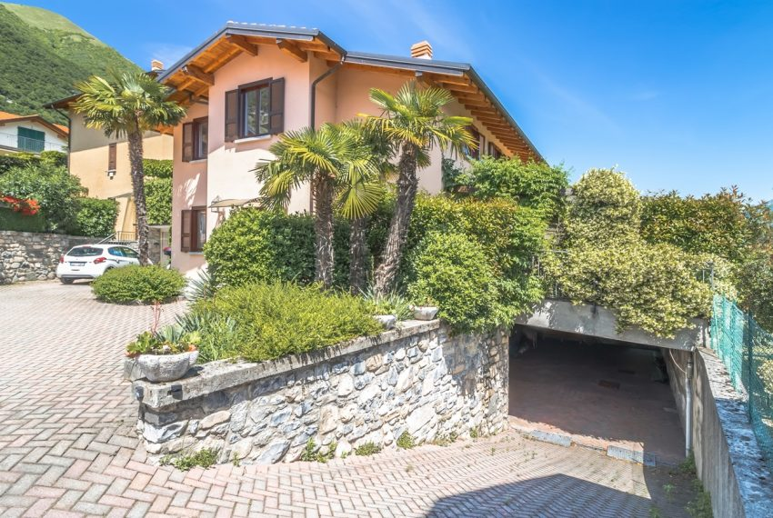 Ossuccio Lago di Como. Villa con giardino e piscina (36)