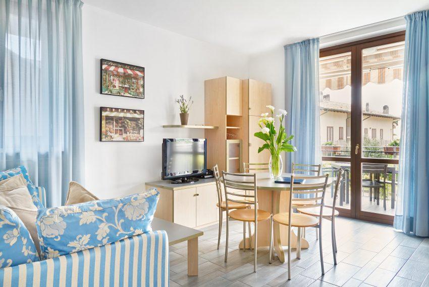 Residence Domaso _One Bedroom Apartment_Sofa TV